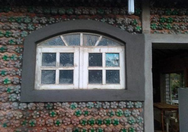 casa de garrafa pet