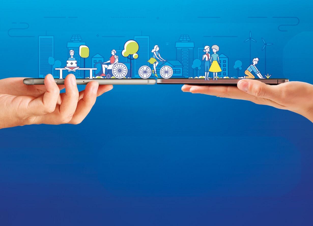 Arte em fundo azul com foto de duas mãos segurando dois celulares. Sobre eles, há desenhos de pessoas. Uma sentada em um banco, uma em uma cadeira de rodas, uma andando de bicicleta, duas mulheres de mãos dadas e um rapaz plantando algo na terra