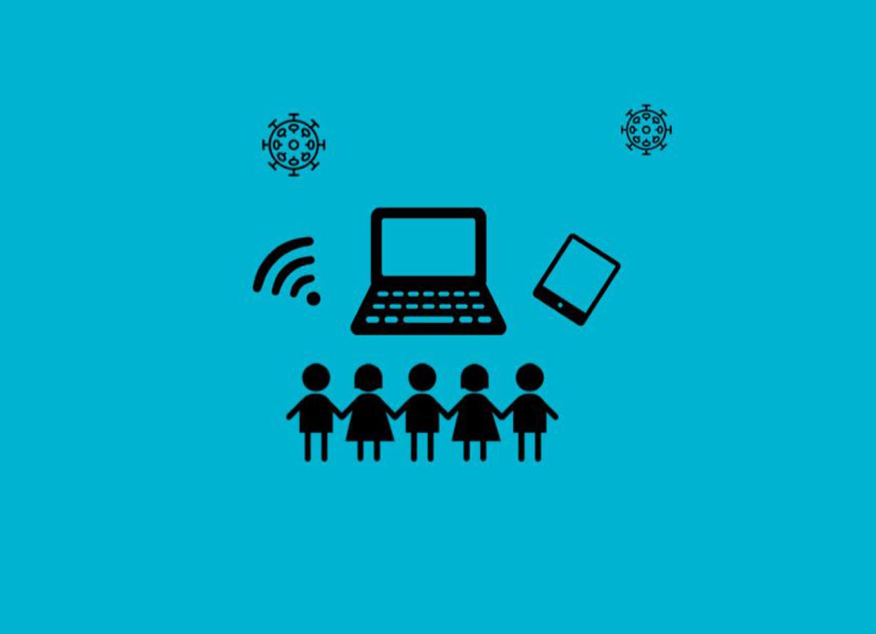 Arte com fundo azul e o desenho de dois vírus, símbolos que remetam a internet, como o sinal de wi-fi, um notebook e um tablet e, abaixo, a silhueta de crianças de mãos dadas