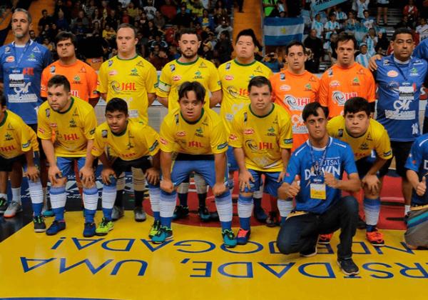Seleção brasileira de futsal Down serve de inspiração para juventude com a síndrome